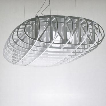 W Powietrzu unikalna lampa wisząca
