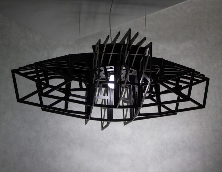 Czarna Gwuiazda ażurowa czarna lampa wisząca