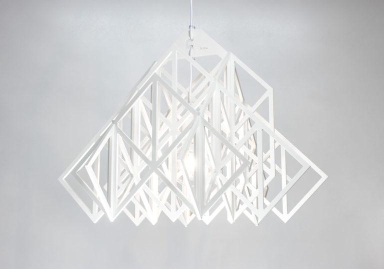 biała lampa wisząca Himmeli