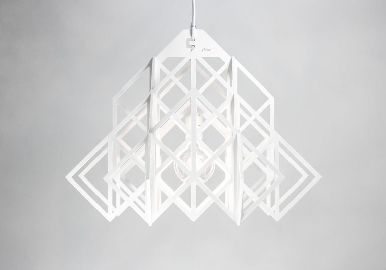 biała lampa wisząca Himmeli Nasu